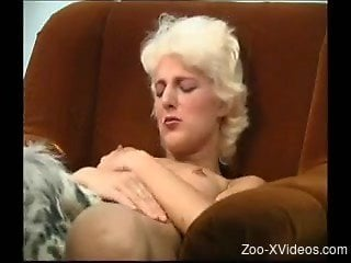 Blonde wife gets pussy fucked by dog in insane zoo XXX