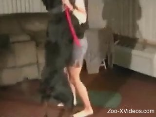 Sexy ass babe filmed in secret when fucking with the dog