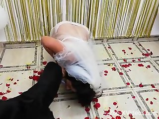 Zoophilic bride getting banged by her sexy beast